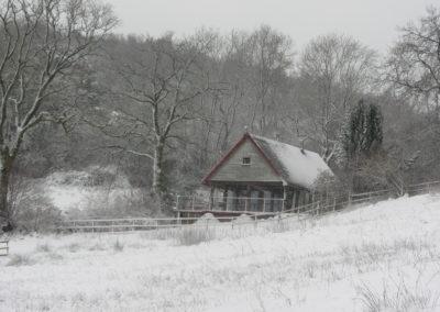 Hut Winter 3